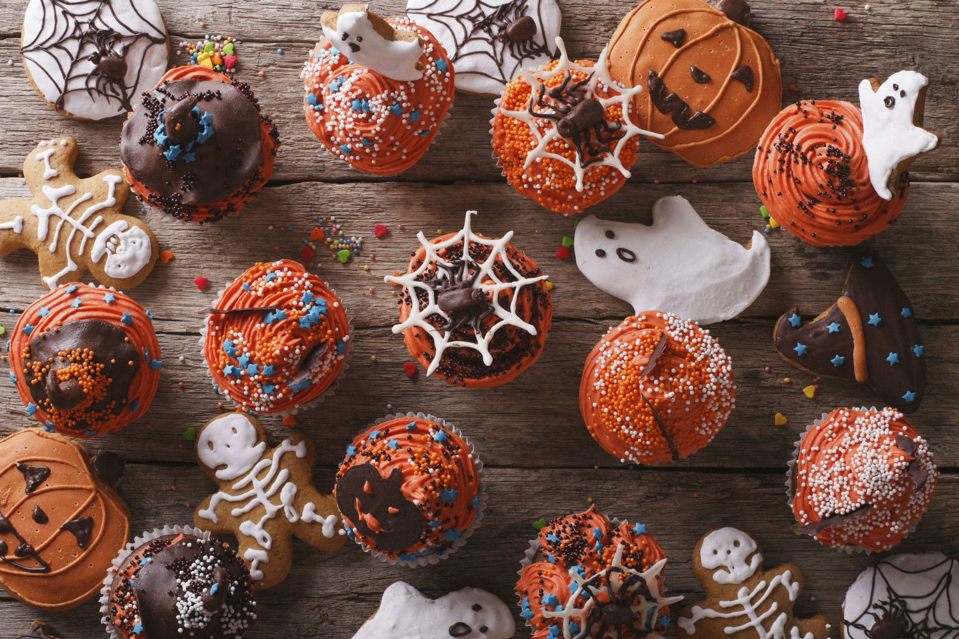 Halloween Cakes- Resized