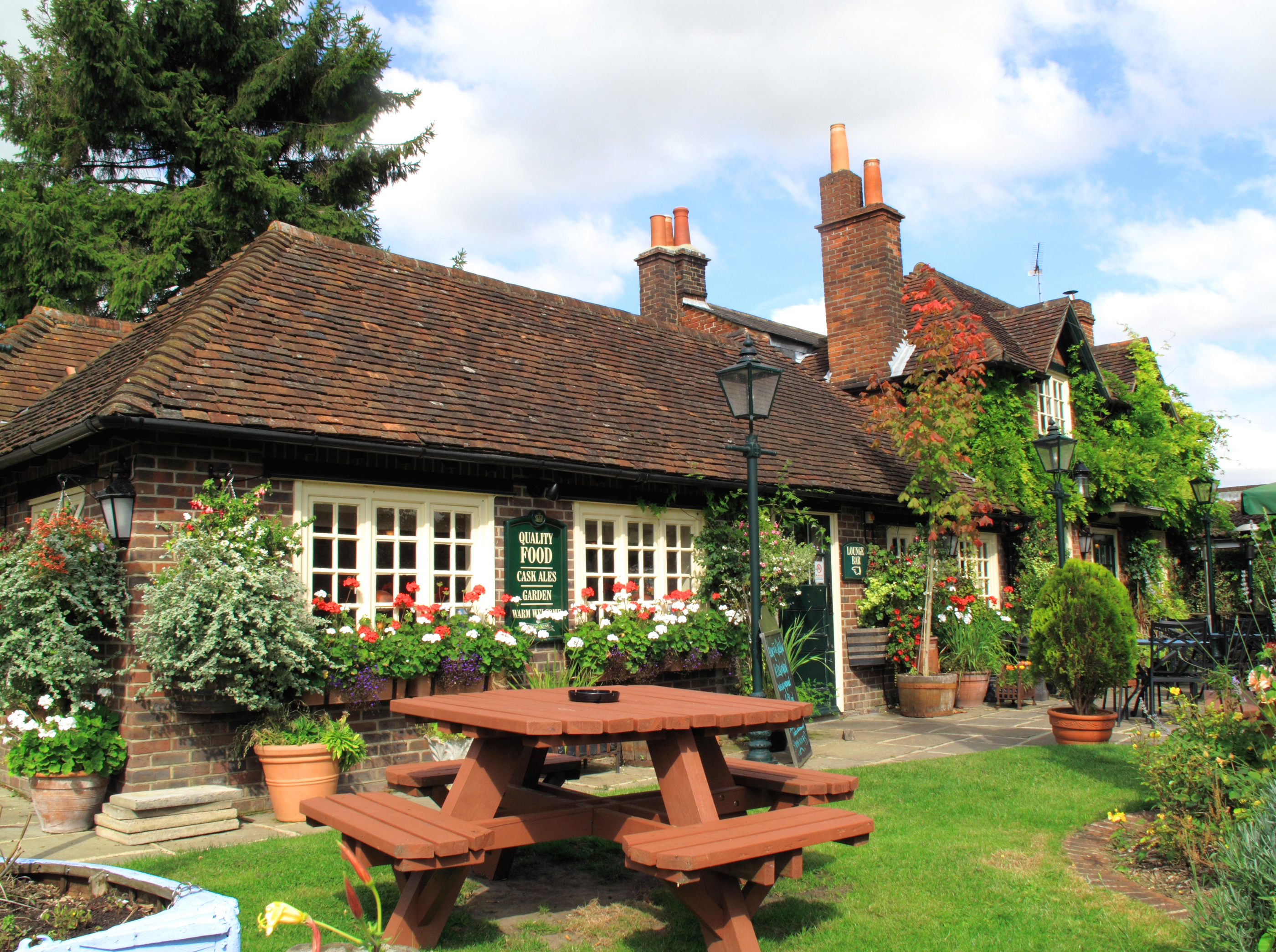 How to Make Your Pub Business Family-Friendly for the Summer Holidays