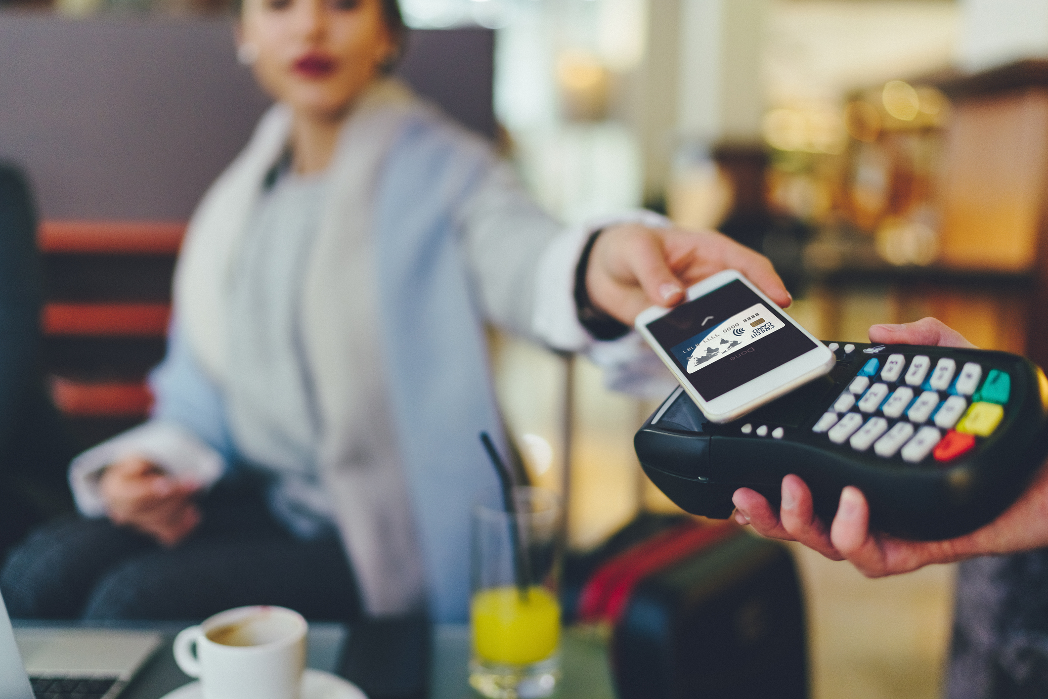 Making your business cashless? Here's the pros and cons
